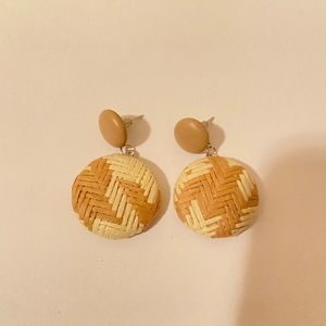 Beautiful earrings news/ perfect for this season